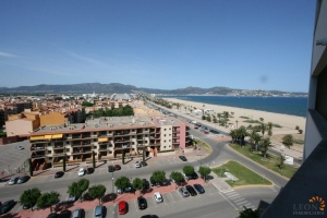 Charming one bed room apartment with covered balcony, communal swimming pool near the beautiful beach of Empuriabrava, Costa Brava for sale