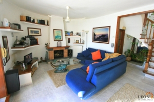 Lovely villa with 3 bedrooms, swimming pool, outdoor kitchen and garage for sale in Empuriabrava, Costa Brava, Spain.