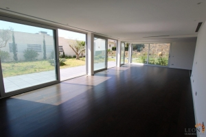 Luxurious Villa in modern construction with spacious rooms and a magnificent view of the sea, large terrace, garden and pool for sale in Roses, Costa Brava, Spain