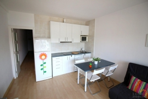 Modern apartment with a nice terrace and magnificent views with a bright living - room with kitchen, two bedrooms, parking and communal pool for sale in Empuriabrava, Costa Brava, Spain