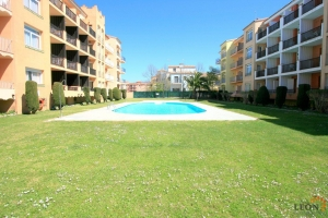 Beautiful apartment in perfect condition, with 1 bedroom, close to beach, for sale in the centre of Empuriabrava, Costa Brava, Spain.