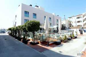 Contemporary apartment near the beach for 4 people with terrace for rent in Empuriabrava, Costa Brava, Spain