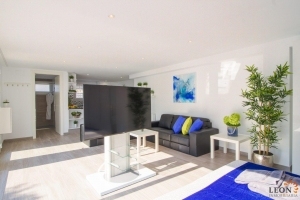 Contemporary dream villa for 8 people, with a comfortable barbecue area and pool for rent in Empuriabrava, Costa Brava, Spain.
