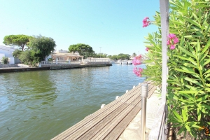 For sale, mediterranean villa on the main canal of Empuriabrava with 23 m mooring, Costa Brava, Spain