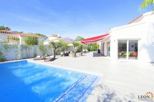 Dream villa for 6 persons with wonderful terrace, barbecue area and pool for rent in Empuriabrava, Costa Brava, Spain
