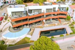 Modern holiday apartment with 2 bedrooms, large terrace with beautiful sea views and communal swimming pool, Roses - Canyelles, Costa Brava, Spain.