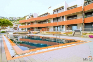 For rent modern holiday apartment for 6 people, 2 bedrooms, large terrace with beautiful sea views and communal swimming pool in Roses - canyelles, Costa Brava, Spain.
