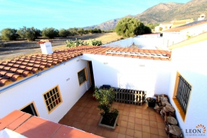 For sale beautiful detached house with 3 bedrooms and garden in Roses, Costa Brava, Spain