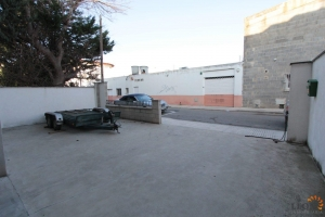 Business building in an optimal location for sale with many possibilities in Empuriabrava, Costa Brava, Spain