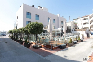 Dream apartment in central location for 4 people with a wonderful terrace for rent in Empuriabrava, Costa Brava, Spain