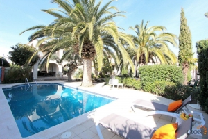 For sale or for rent Luxury villa with 4 bedrooms in Empuriabrava and a wonderful terrace with pool, mooring of 25 m, Costa Brava, Spain