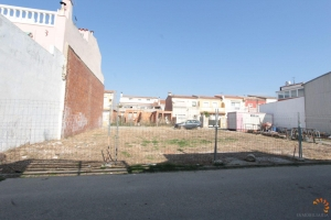 For sale, buildable land in inhabited settlement with lighting and sewerage in Empuriabrava, Costa Bava, Spain